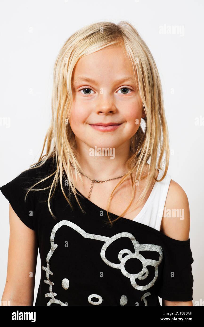 Retrato de sonriente chica rubia (6-7) Imagen De Stock