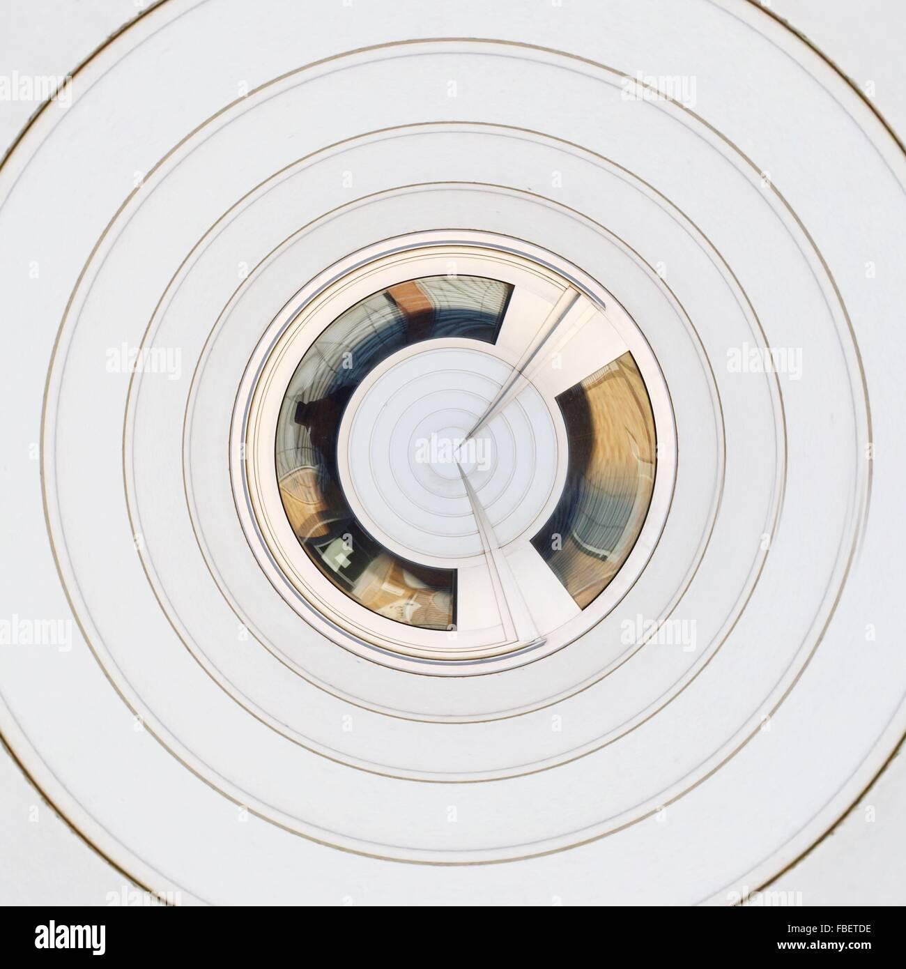 Patrón de blancos concéntricos abstractos Imagen De Stock
