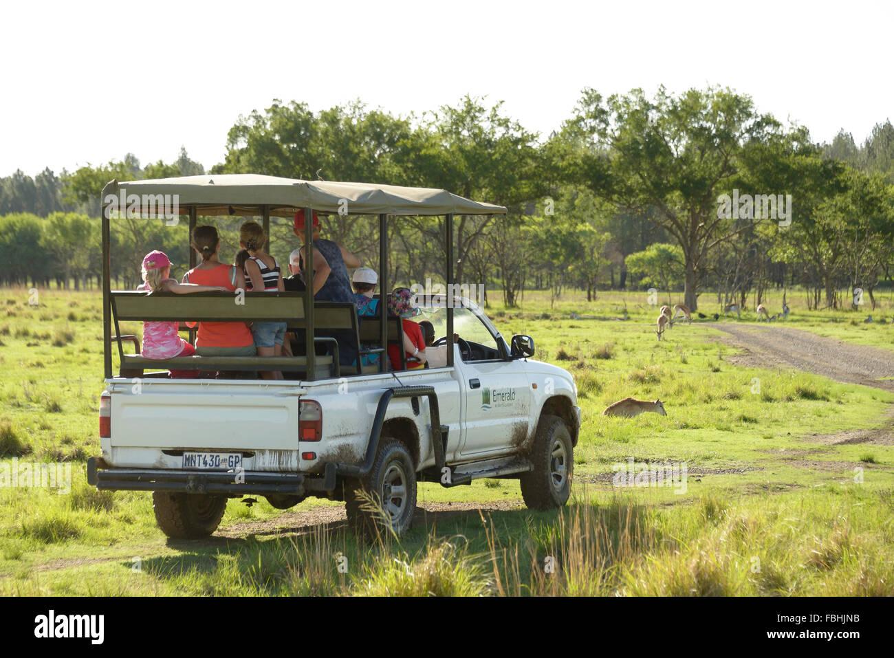 Jeep Safari, Juego de Mundo Animal Park, Esmeralda Resort & Casino, Municipio Emfuleni Vanderbijlpark, Gauteng, Imagen De Stock