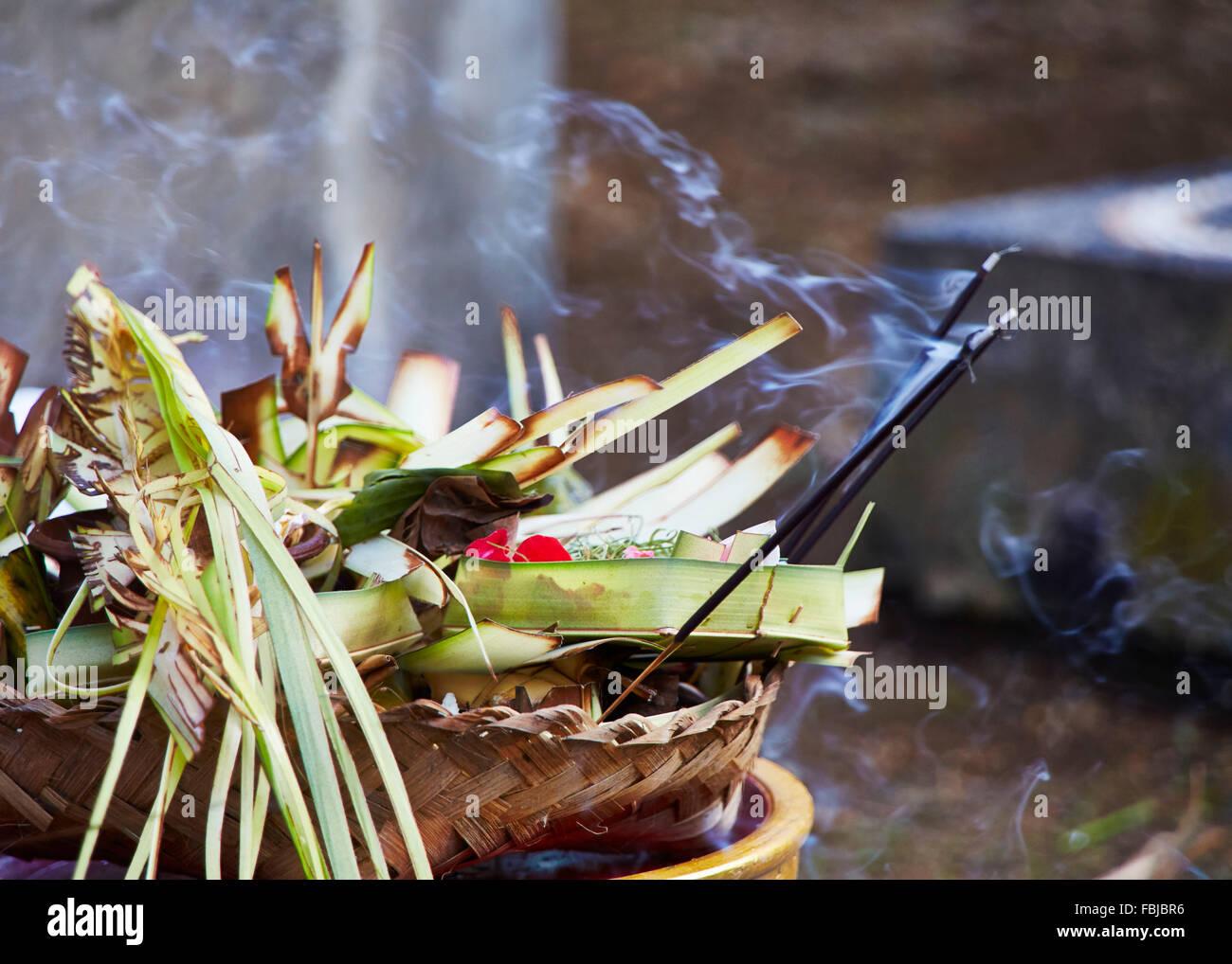 Ofertas, bowl, balineses, reportajes, bodas tradicionales, Bali, Indonesia, Asia Imagen De Stock
