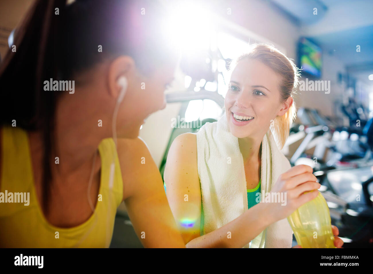 Hermosas Mujeres de gimnasio Imagen De Stock