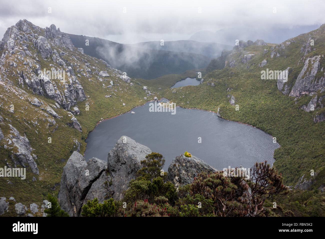 Lagos y Montañas, Western Arthurs gama Imagen De Stock