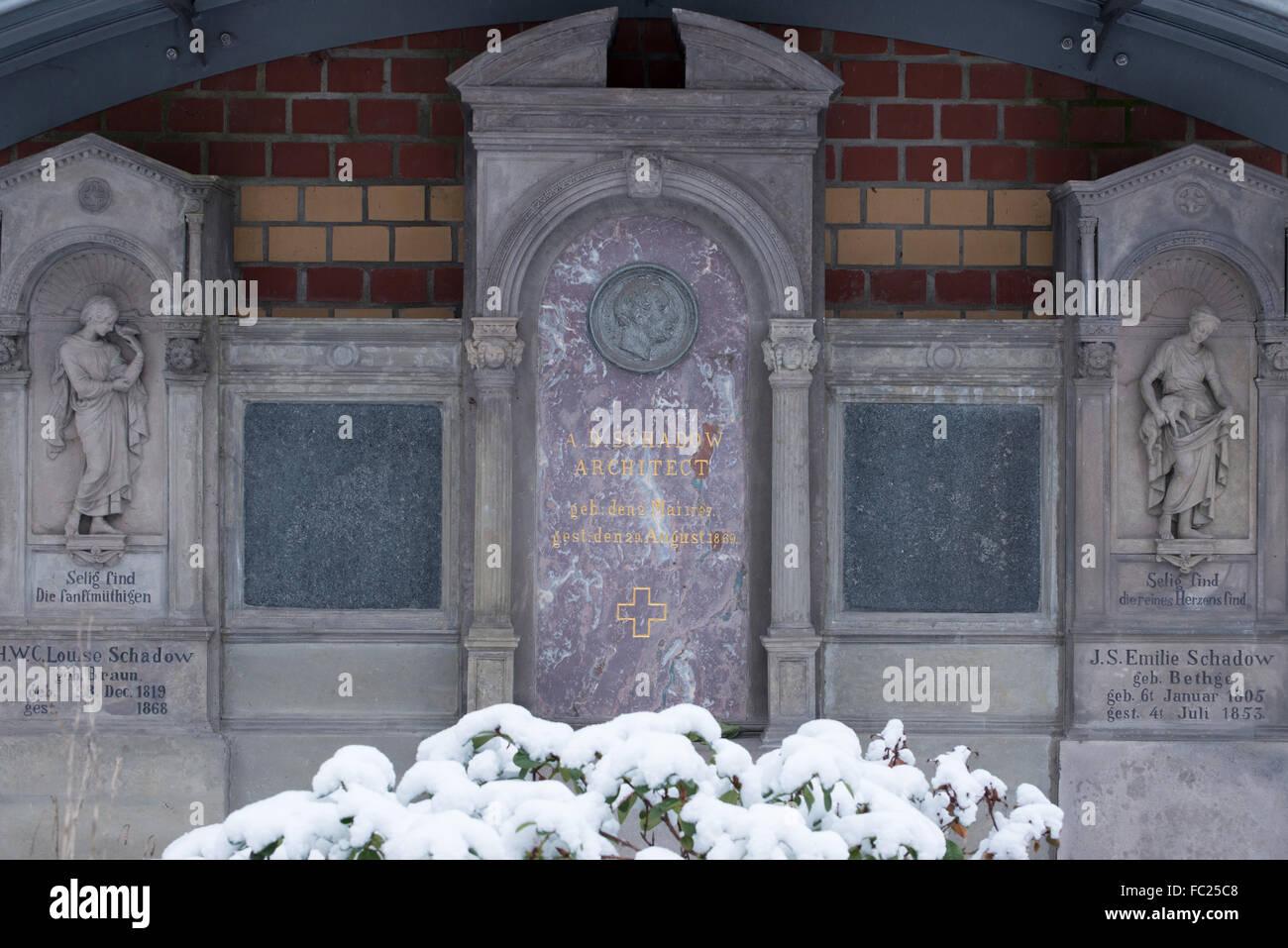 Cementerio Dorotheenstadt Berlín,tumba de Albert Schadow, Alemania Foto de stock