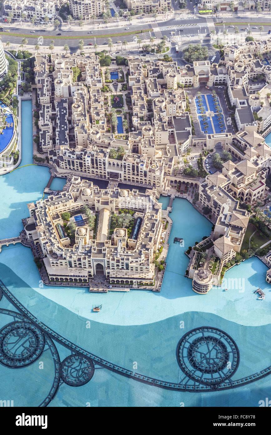 Edificios en el emirato de Dubai. Foto de stock