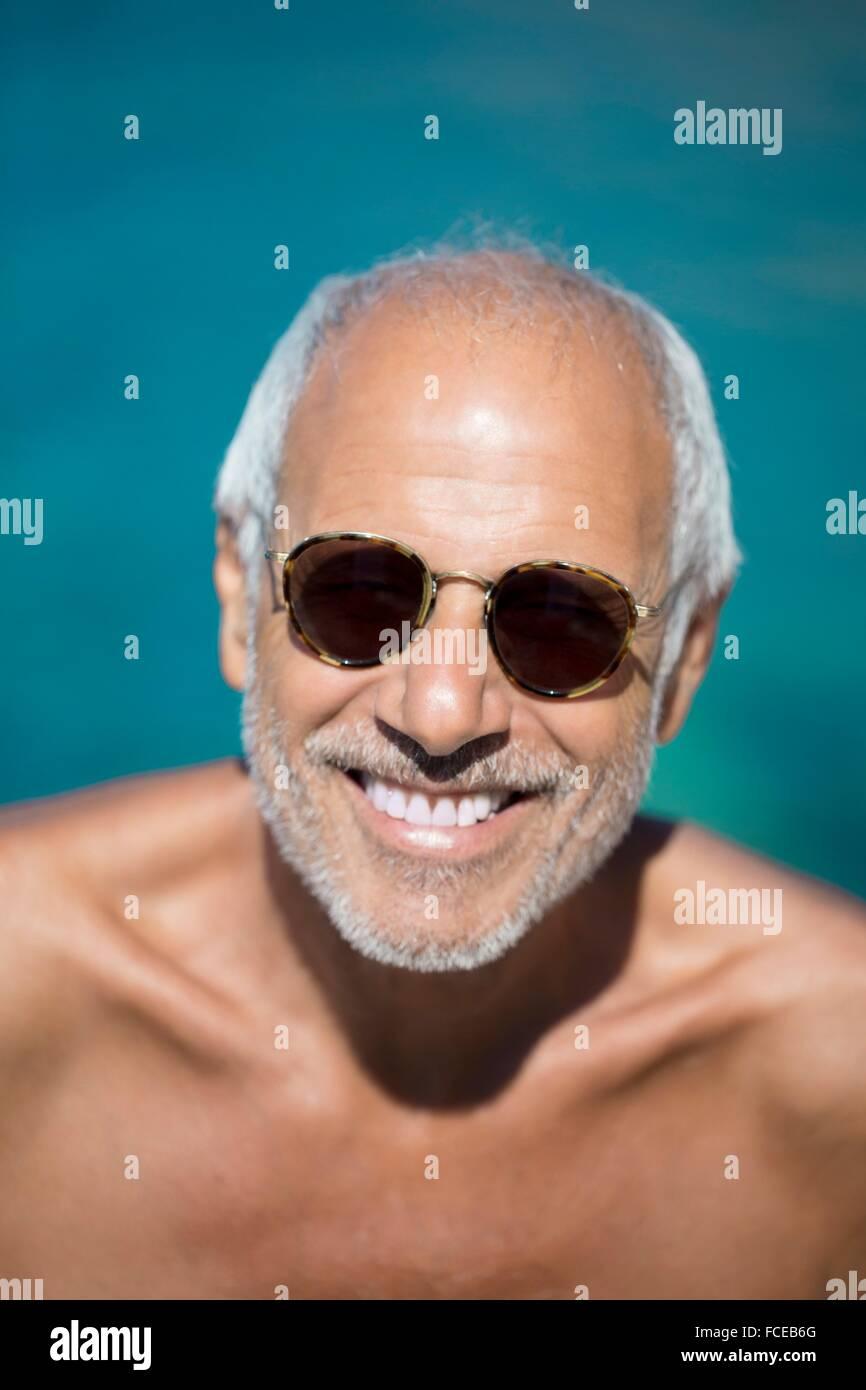 Close-up de hombre sonriente Imagen De Stock