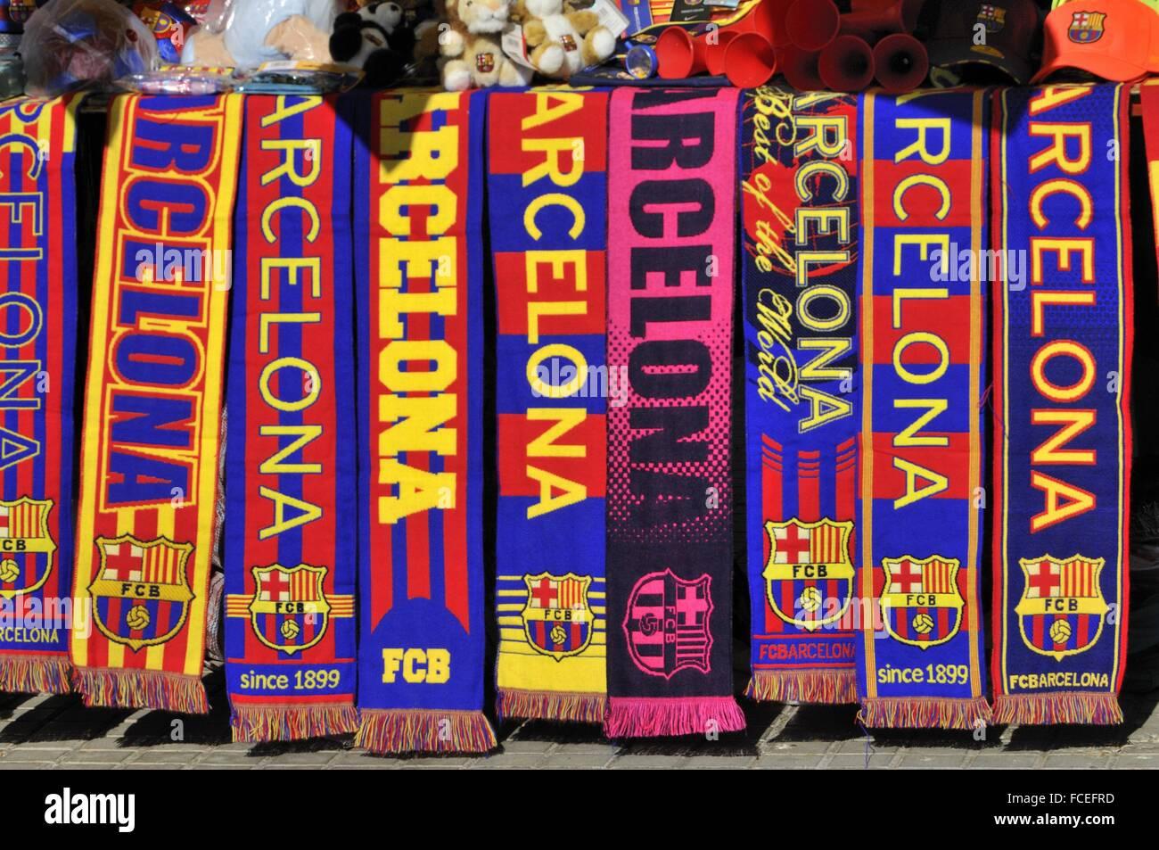 Bufandas para los seguidores del Fútbol Club Barcelona. Barcelona.  Cataluña. España. 7d759190894