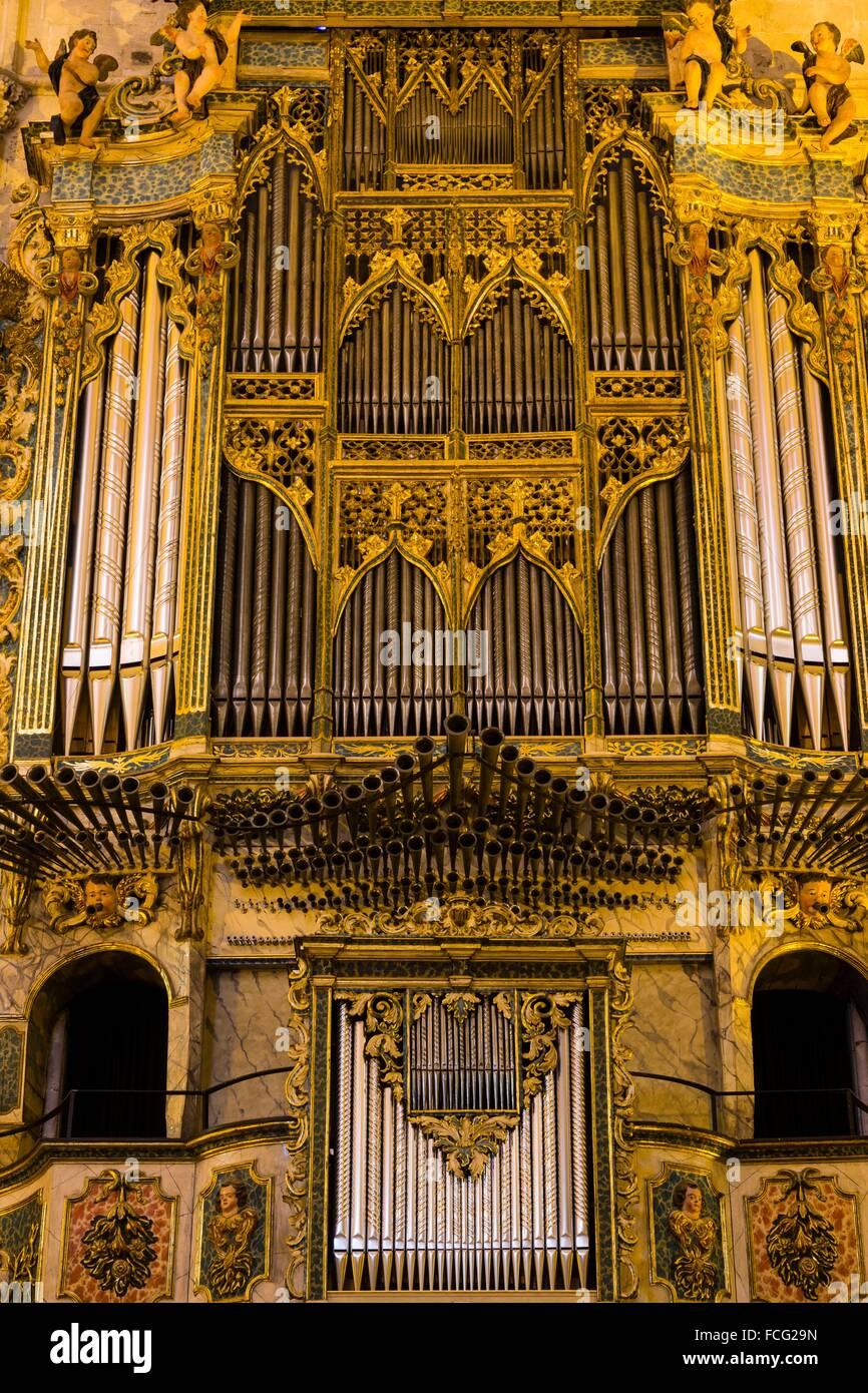 Organo historico restaurado, batería de batalla original de Jordi Bosch (1772), Convento de San Francisco de Imagen De Stock