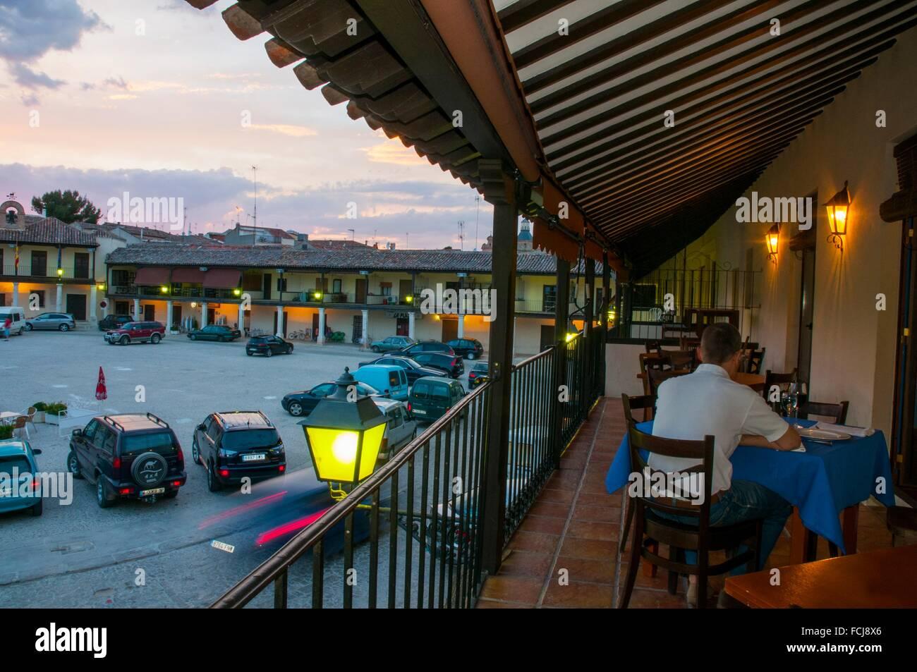 Terraza Del Restaurante En La Plaza Principal La Vista De