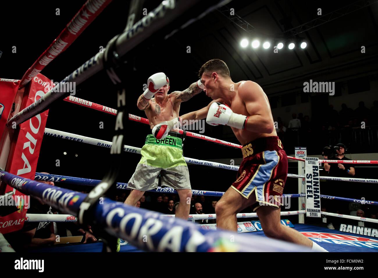 Londres, Reino Unido, 22 de enero, 2016. Una noche de los campeonatos de boxeo en York Hall, Inglaterra. Sammy Mcness Imagen De Stock
