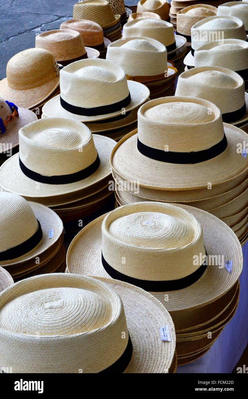 dc084ffc057f2 Foto sombreros de paja para la venta en panajachel guatemala america  central jpg 865x1390 Sombreros de