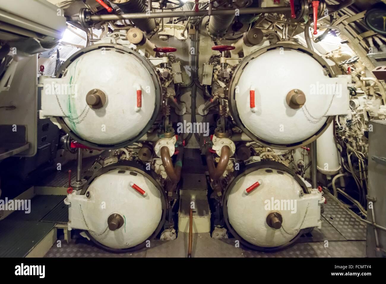 Sala de torpedos en un U-boat desde la guerra fría en Italia. Imagen De Stock