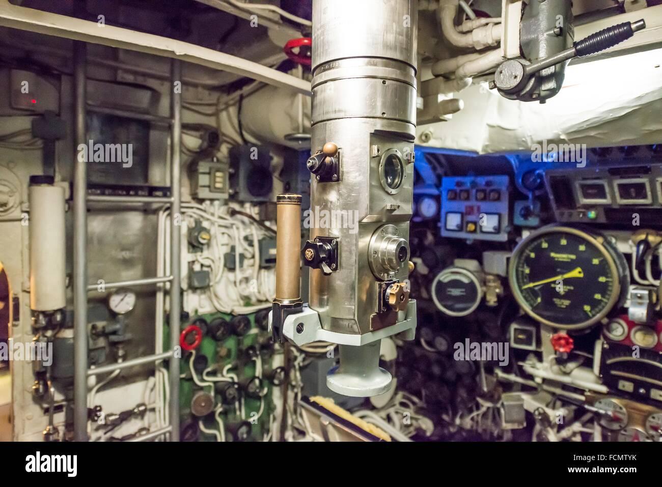 En periscopio un submarino de la guerra fría en Italia. Imagen De Stock