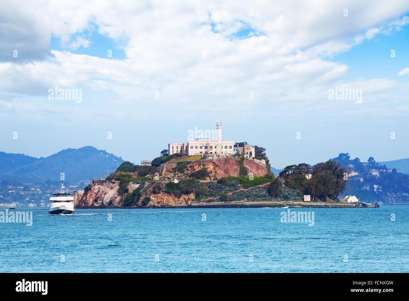 La isla de Alcatraz, en la bahía de San Francisco Foto de stock
