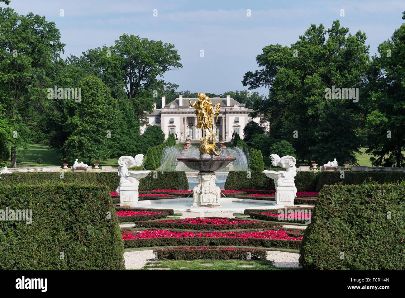 Logro estatua, Nemours Mansion y jardines, Wilmington, Delaware, EE.UU. Imagen De Stock