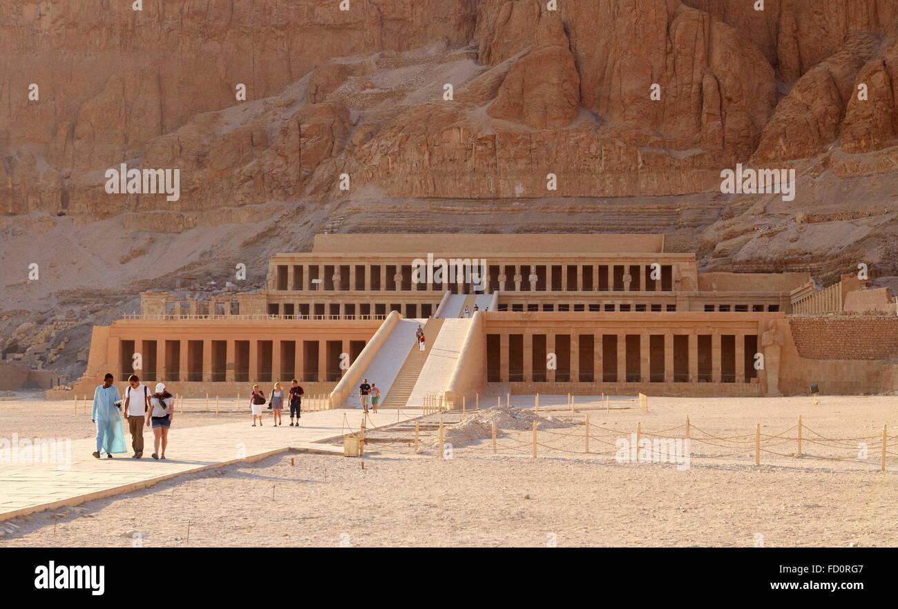 Egipto - Valle de las Reinas, el templo de Hatshepsut, la Unesco Foto de stock