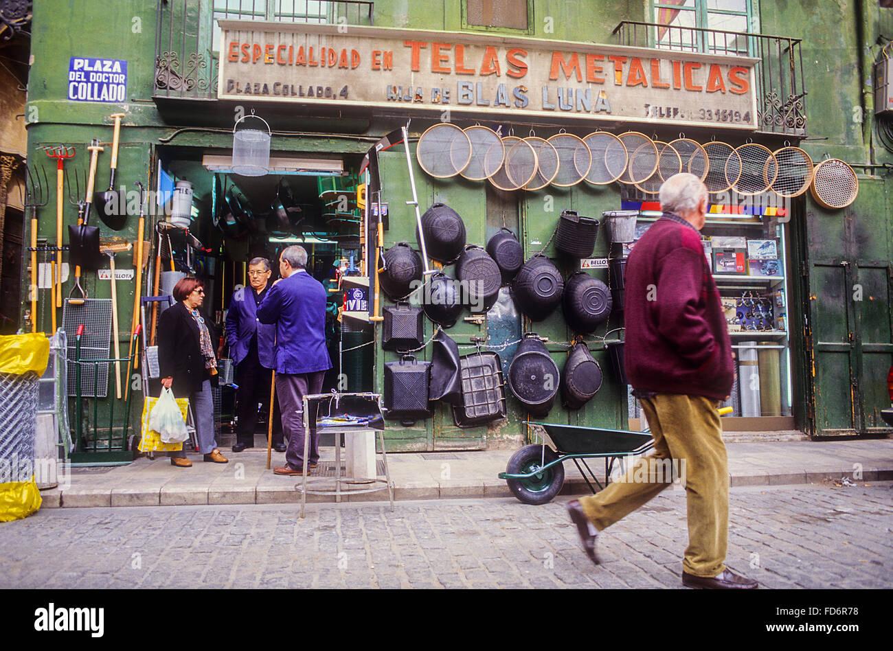 Hija de Blas Luna shop,4 collado street,hardware,Valencia,España Imagen De Stock