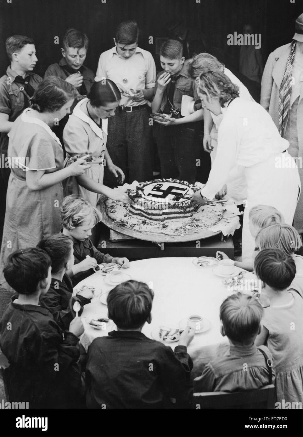 Birthday Cake Adolf Hitler Fotos e Imágenes de stock - Alamy