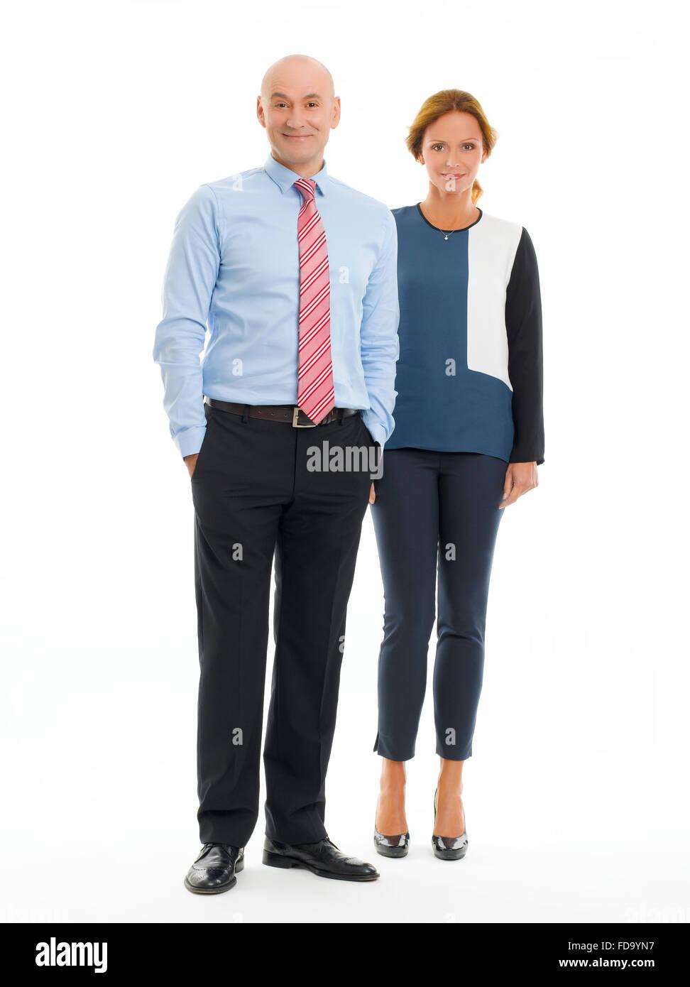retrato de longitud completa de personas de negocios de pie contra