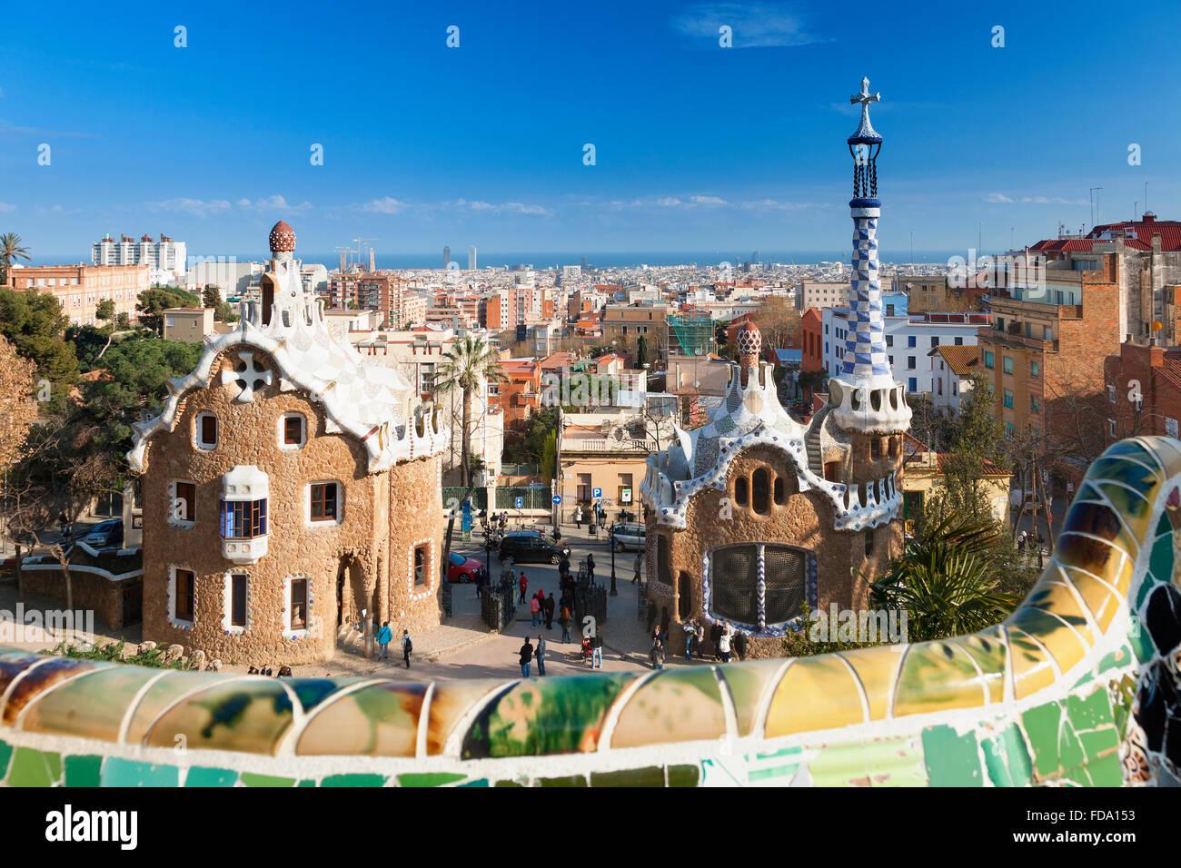 El horizonte de Barcelona desde el Parque Güell Imagen De Stock