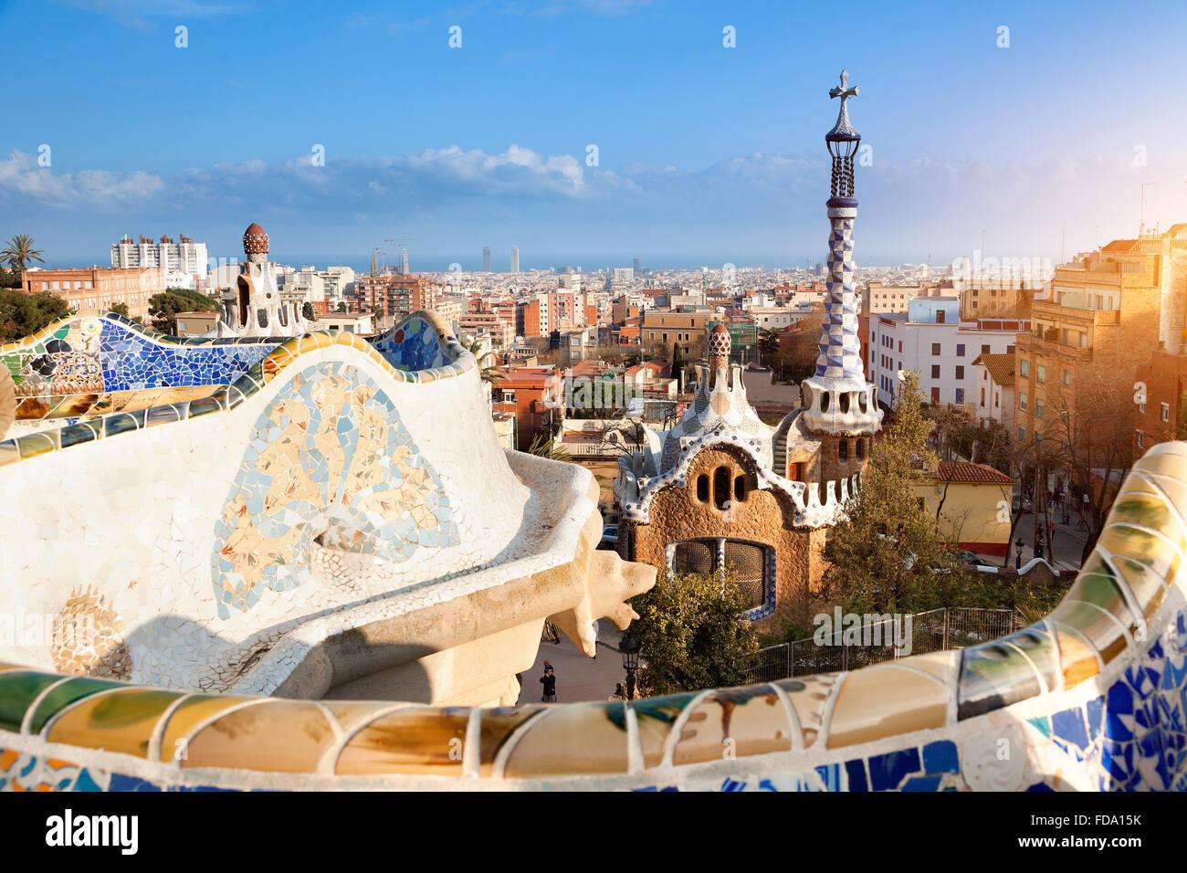 El horizonte de Barcelona desde el Parque Güell Foto de stock
