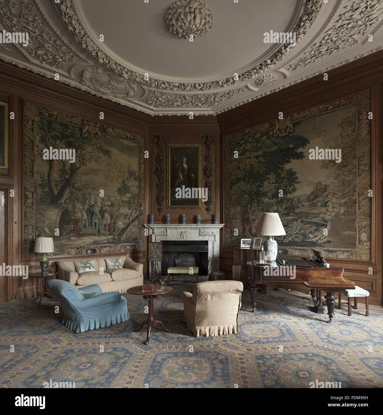 Tapestries Room Imágenes De Stock & Tapestries Room Fotos De Stock ...
