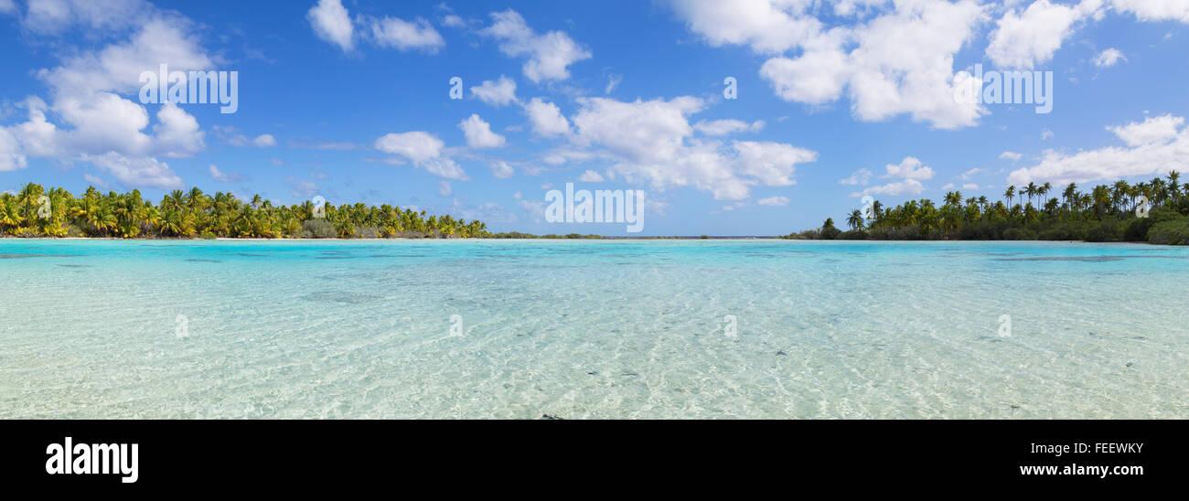 Laguna Verde, Fakarava, las Islas Tuamotu, en la Polinesia Francesa Foto de stock