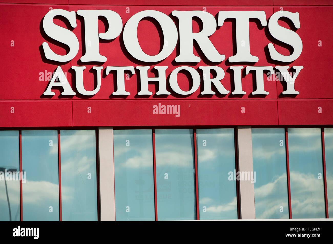 Una autoridad deportiva tienda minorista en Frederick, Maryland, el 5 de febrero de 2016. Imagen De Stock
