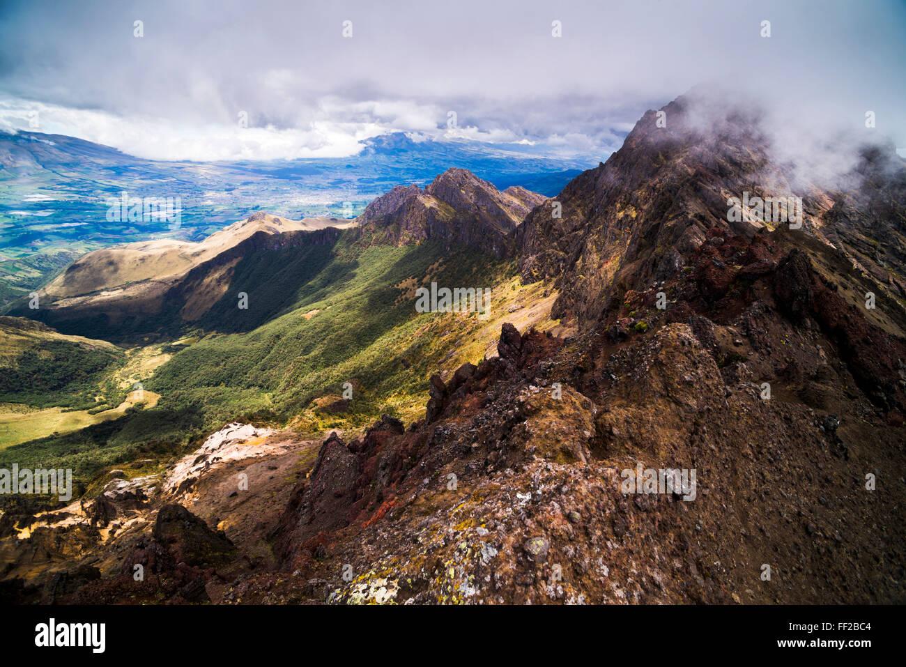 Ruminahui VoRMcano cumbre, Cotopaxi, la avenida de parque NationaRM VoRMcanoes, Ecuador, Sudamérica Foto de stock