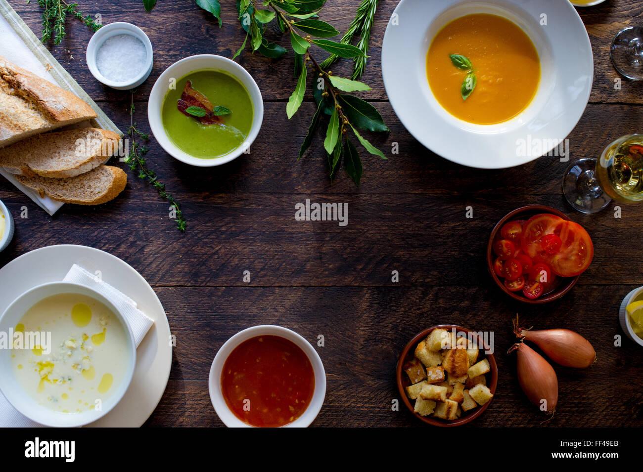 Mesa comida desde arriba con espacio para copiar Imagen De Stock