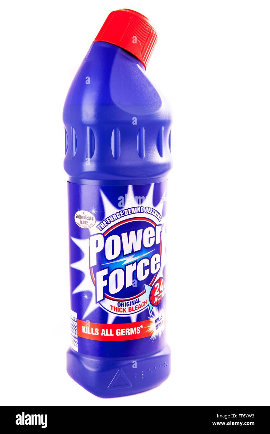 Botella de blanqueador mata todos los gérmenes de la fuerza de alimentación SARM cleaner limpieza de producto envasado recorte recorte aislado fondo blanco Foto de stock