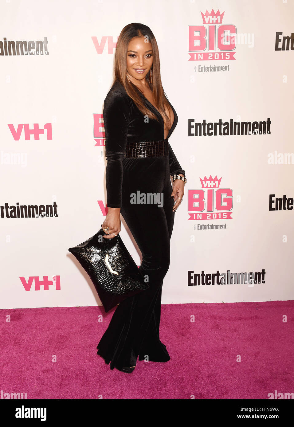 La actriz Tamala Jones atiende VH1 Big In 2015 Con Entertainment Weekly Awards en el Pacific Design Center el 15 Imagen De Stock