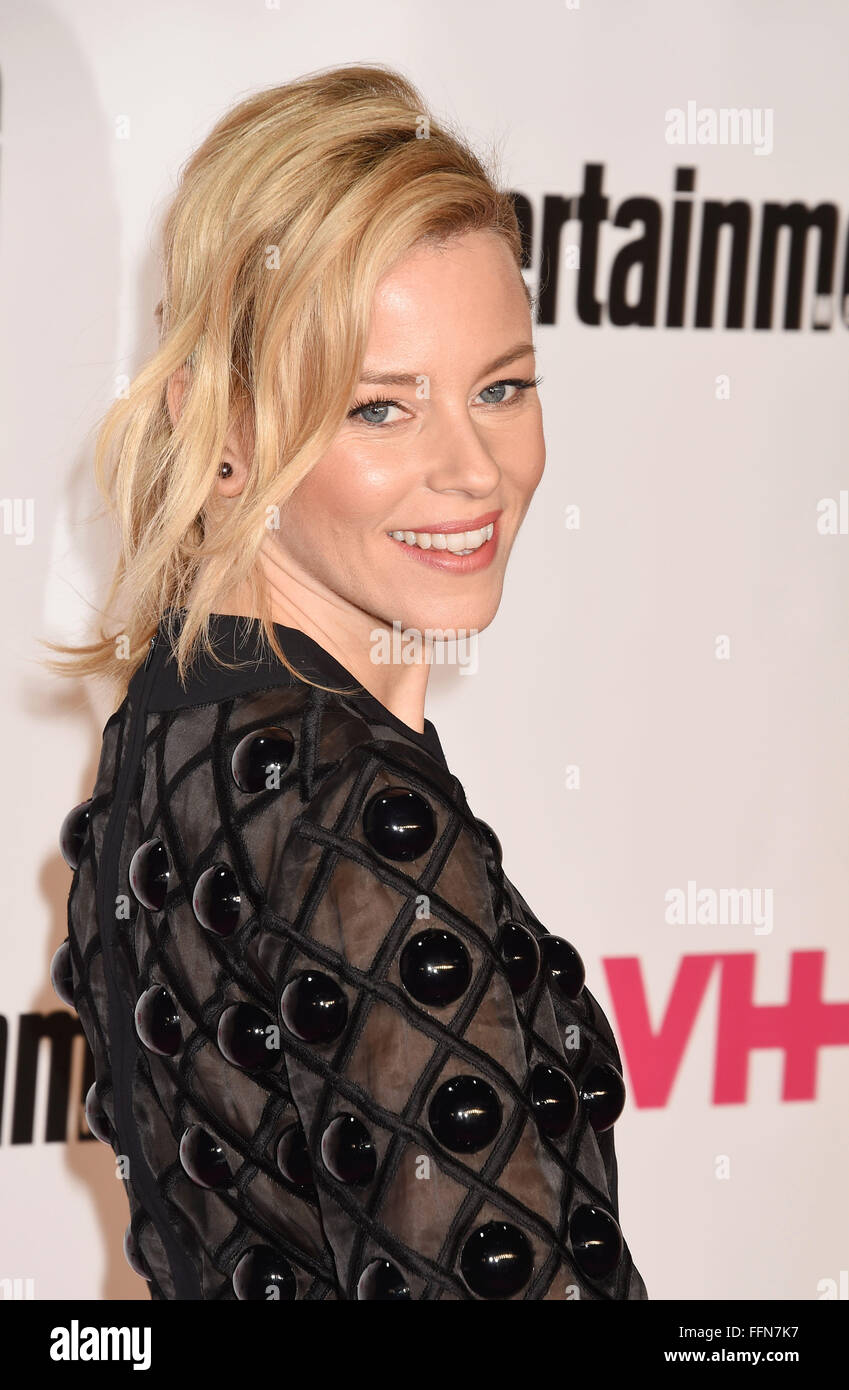 La actriz Elizabeth Banks atiende VH1 Big In 2015 Con Entertainment Weekly Awards en el Pacific Design Center el Imagen De Stock
