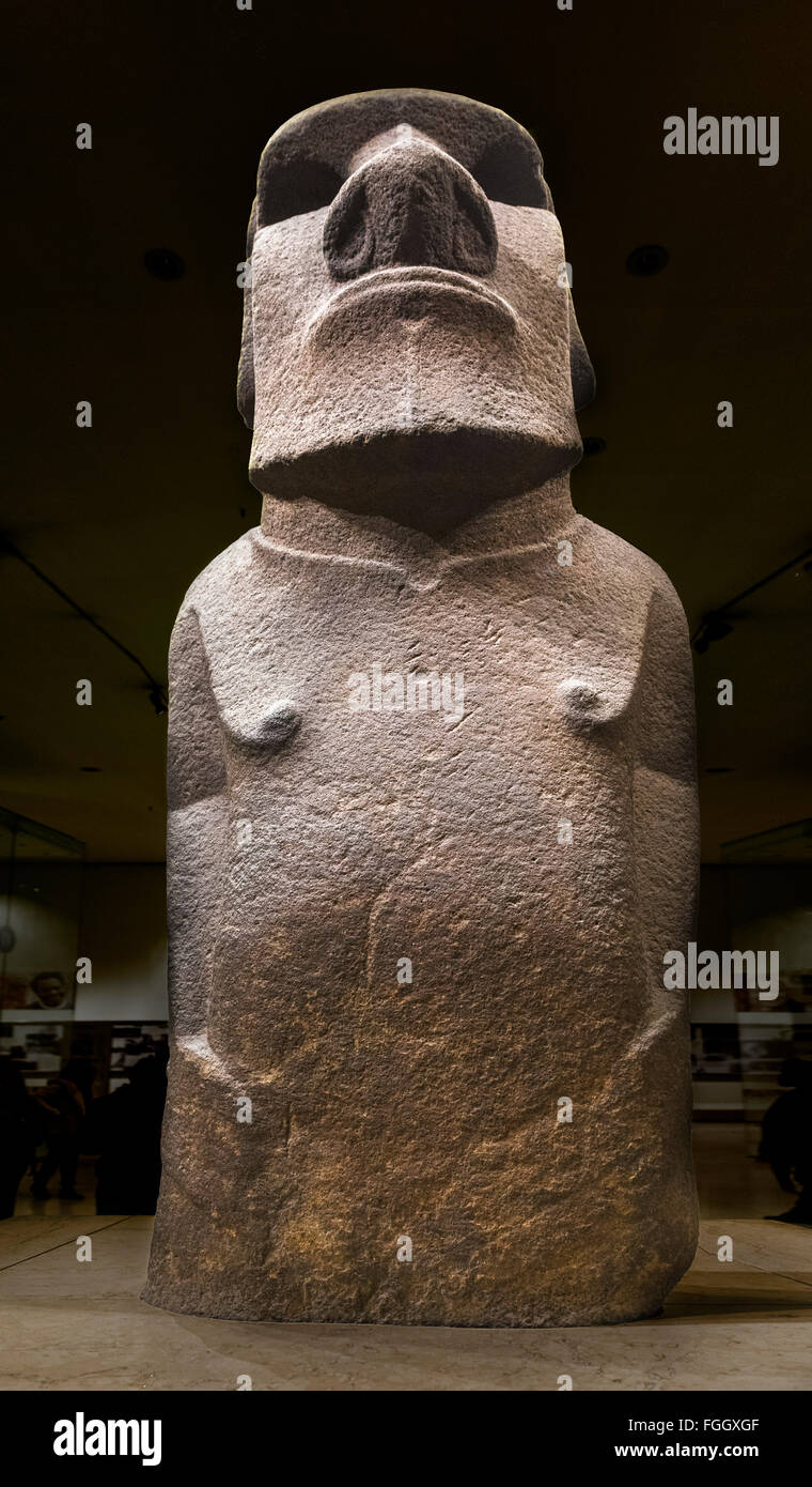 Hoa Hakananai'a, un moai de Isla de Pascua o estatua, Wellcome Trust Gallery, el British Museum, Bloomsbury, Londres, Inglaterra, Reino Unido. Foto de stock