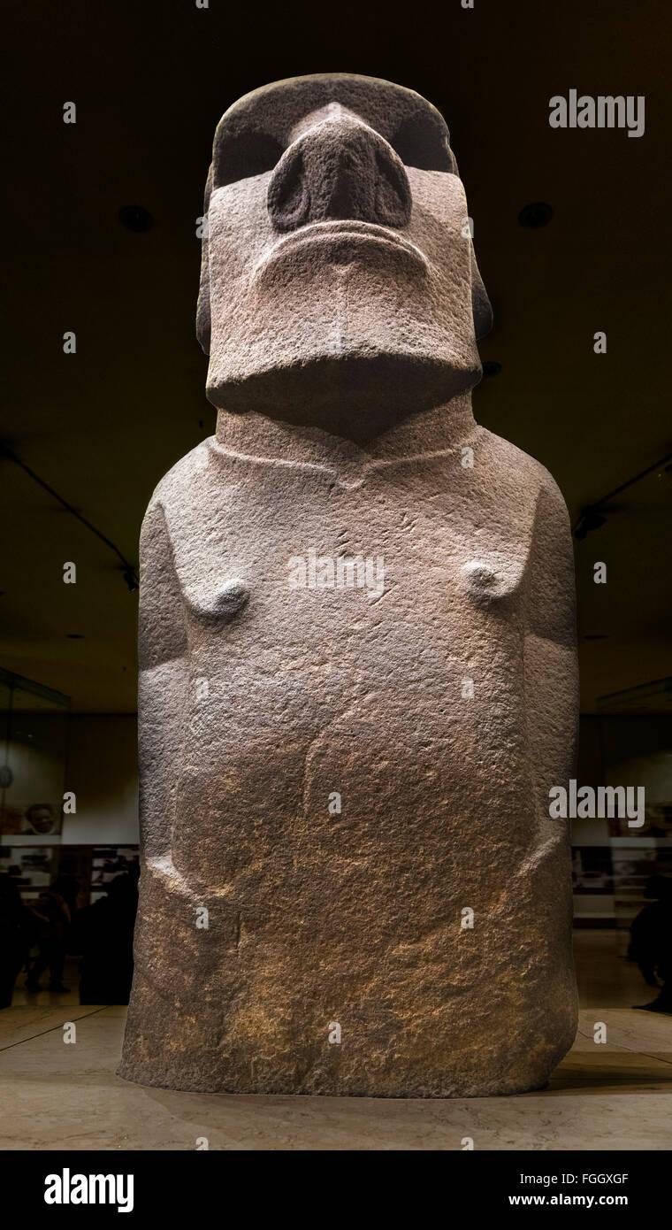 Hoa Hakananai'a, un moai de Isla de Pascua o estatua, Wellcome Trust Gallery, el British Museum, Bloomsbury, Imagen De Stock