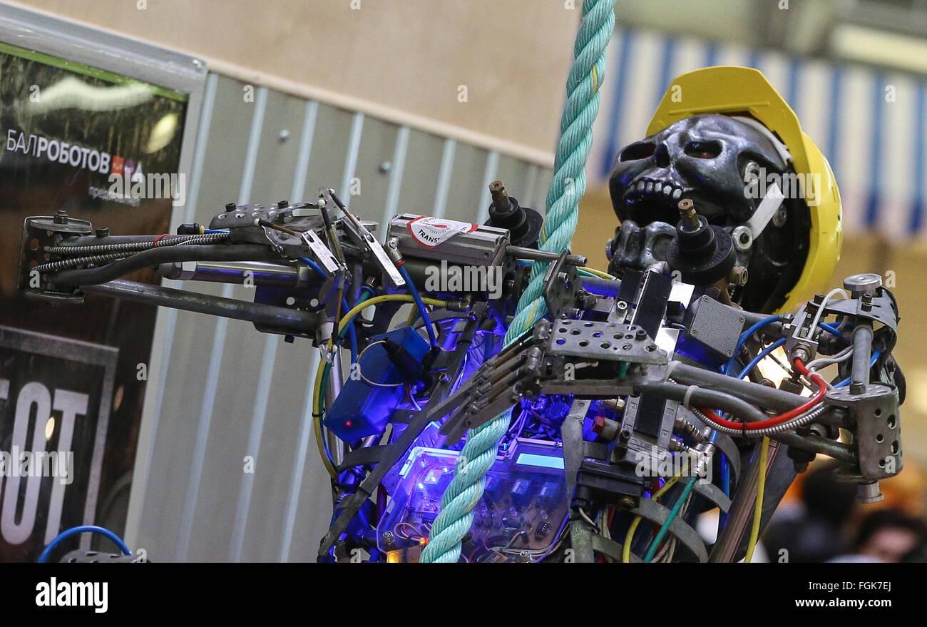 Moscú, Rusia. 20 Feb, 2016. Cuerda de escalada robot Skeletron británico, también conocido como Skelly, Imagen De Stock