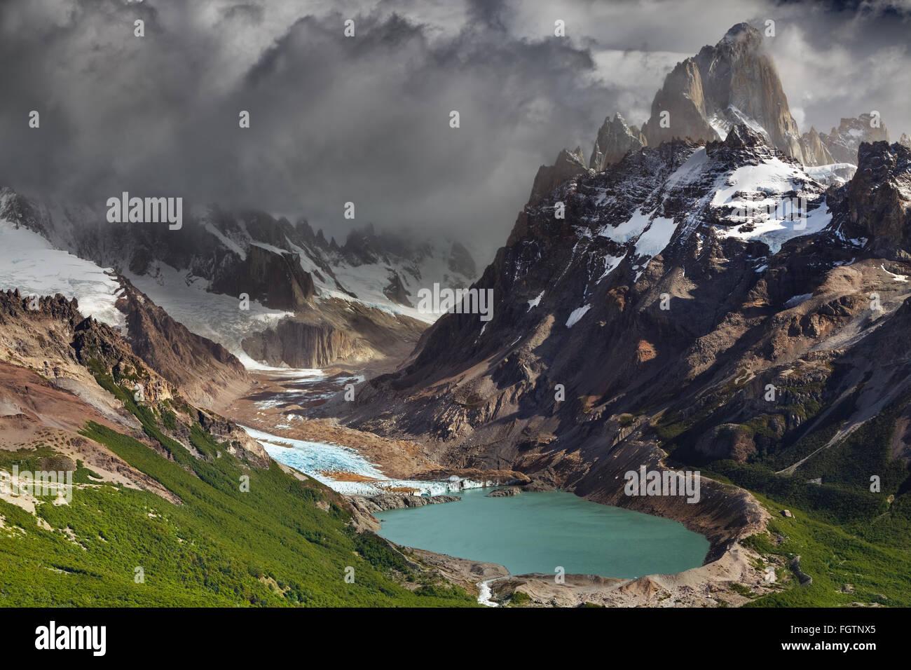 Monte Fitz Roy y laguna Torre, Parque Nacional Los Glaciares, Patagonia, Argentina Imagen De Stock