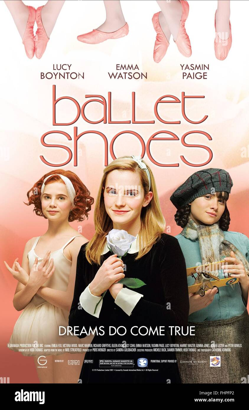 LUCY BOYNTON EMMA WATSON & YASMIN PAIGE zapatos de ballet (2007). Imagen De Stock