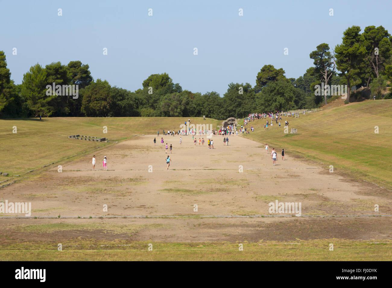 Olimpia, en el Peloponeso, Grecia. La antigua Olimpia. El estadio donde se celebraron eventos atléticos. Imagen De Stock