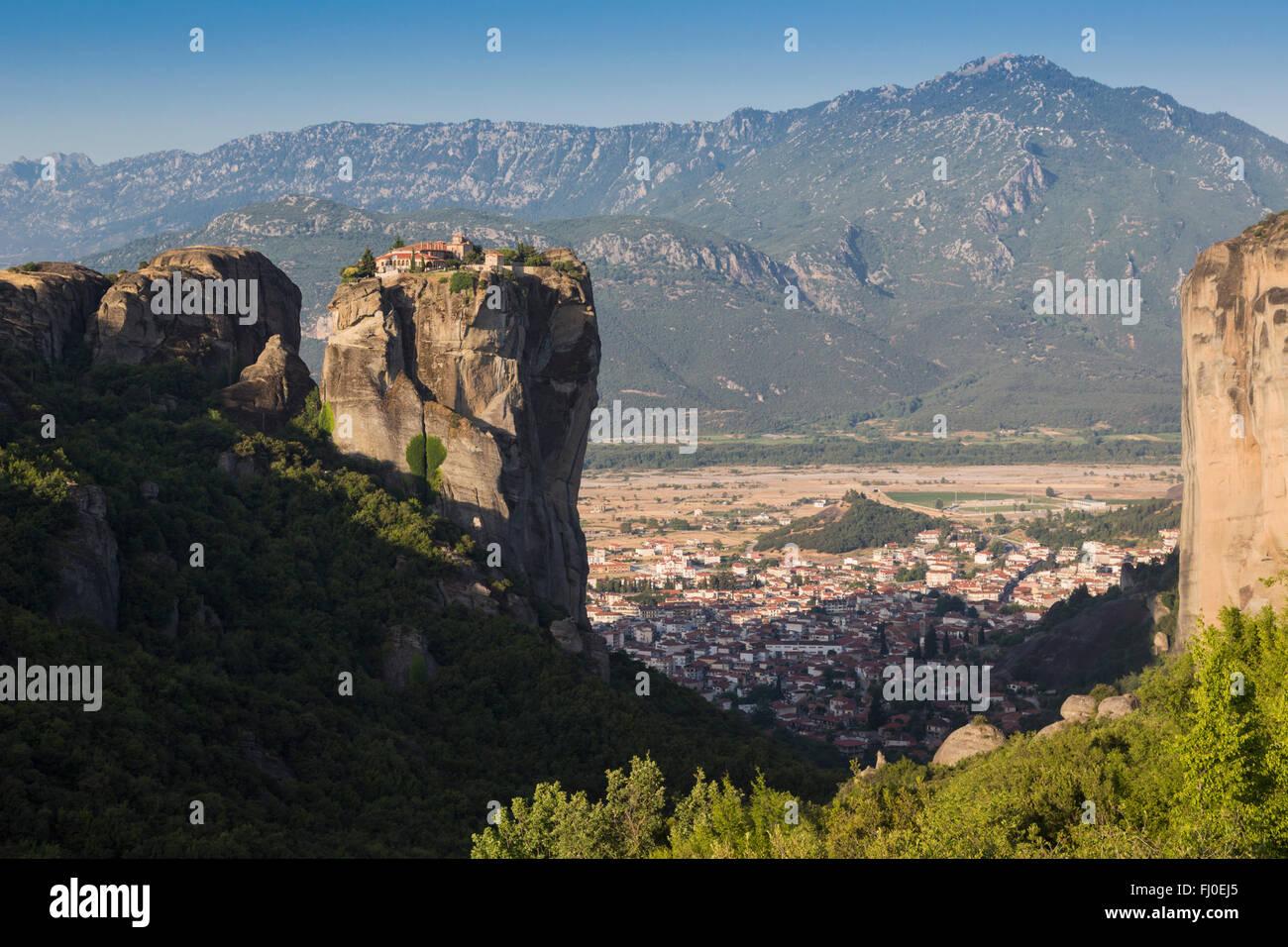 Meteora, Tesalia, Grecia. La Santísima Trinidad monasterio ortodoxo oriental. (En griego, Agia Triada, Ayías Imagen De Stock