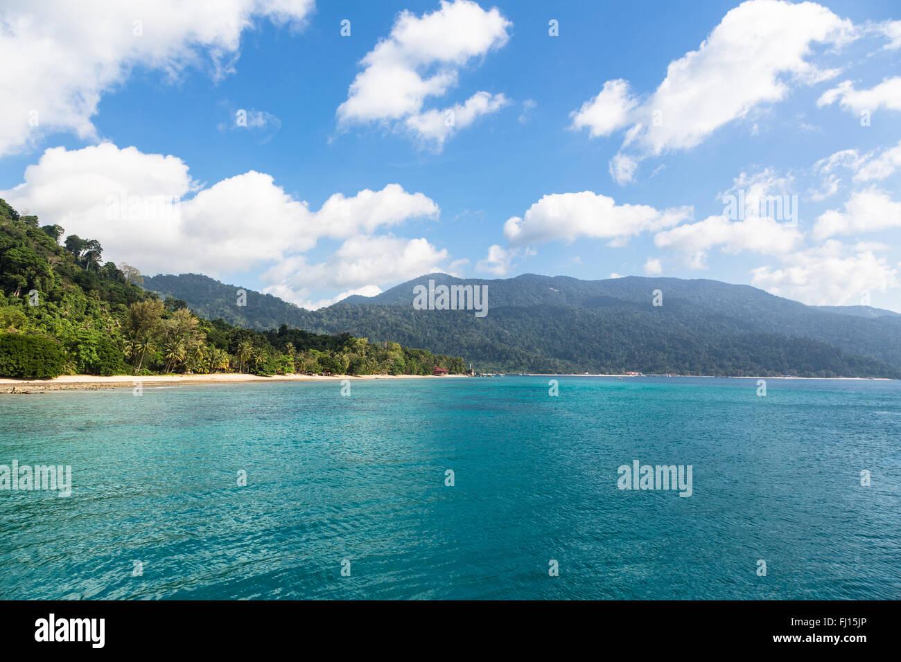 La isla de Tioman es un sorprendente isla tropical en la costa oriental de la península de Malasia. Imagen De Stock