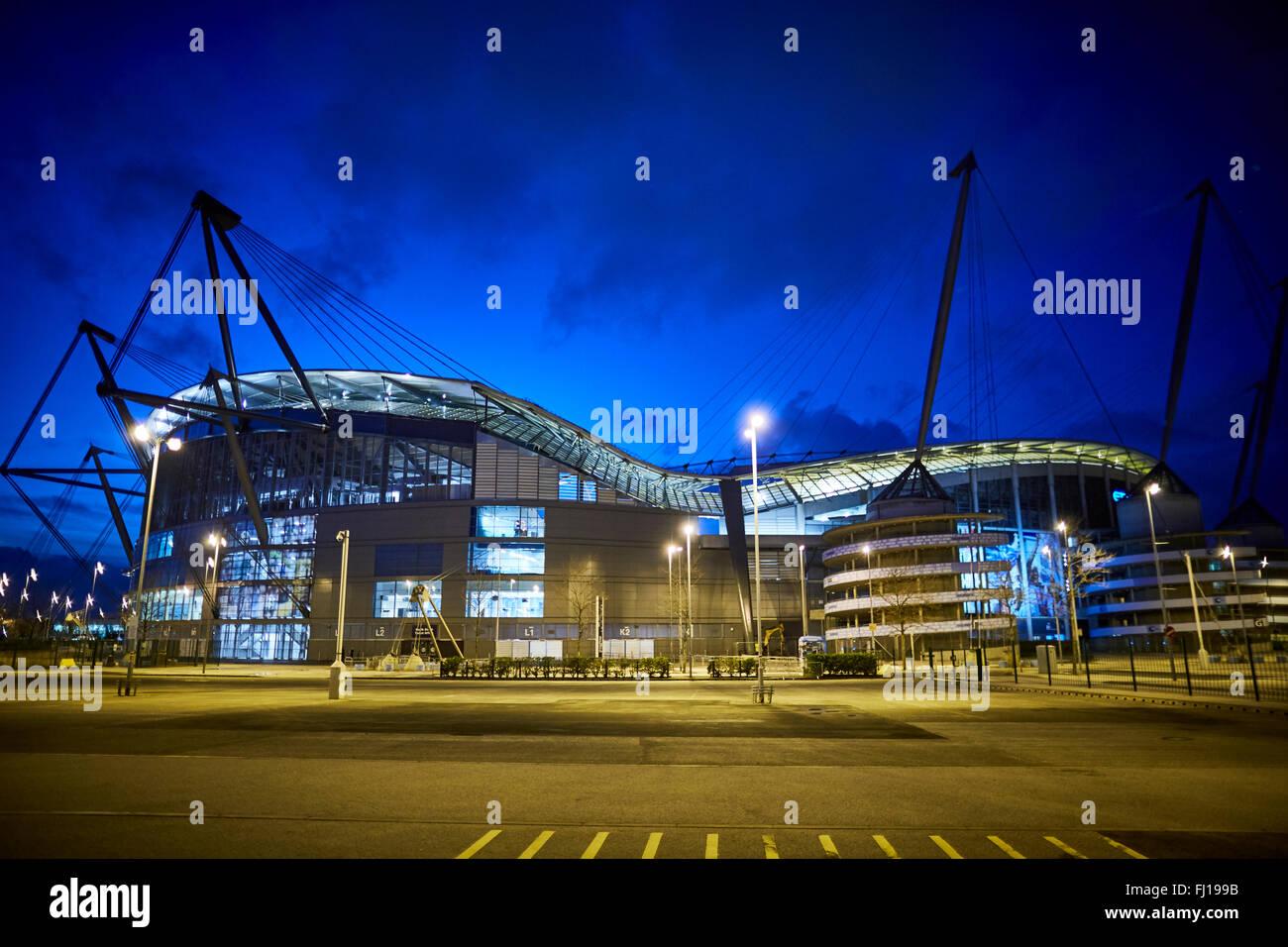 El City of Manchester Stadium de Manchester, Inglaterra, también conocido como Etihad Stadium por motivos de Imagen De Stock