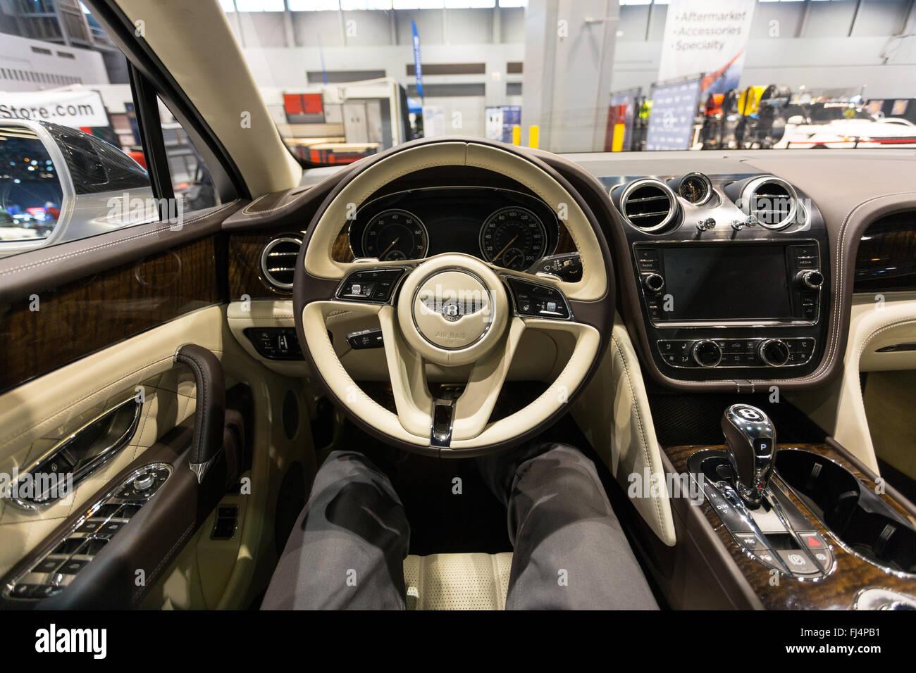 Bentley Bentayga Fotos E Imagenes De Stock Alamy