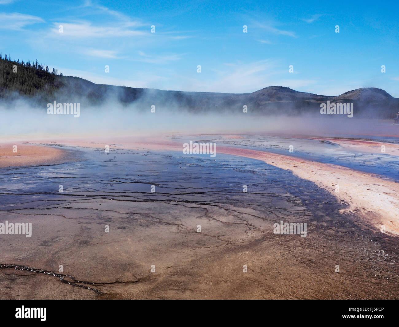Grand Prismatic Spring, Midway Geyser Basin, EE.UU., el Parque Nacional Yellowstone, Wyoming Foto de stock