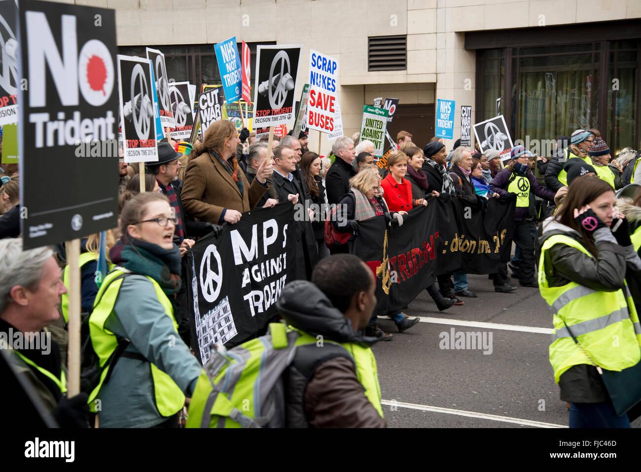 Detener Trident manifestación organizada por la Campaña para el desarme nuclear, Londres, Inglaterra, Imagen De Stock