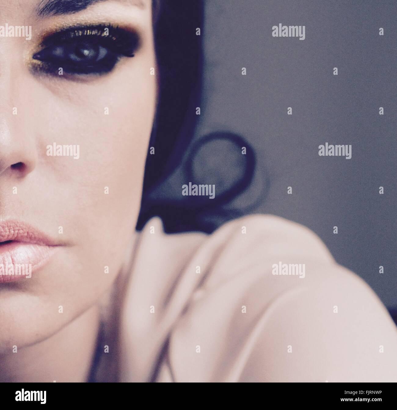 Primer plano de la mujer en el ojo maquillaje Imagen De Stock