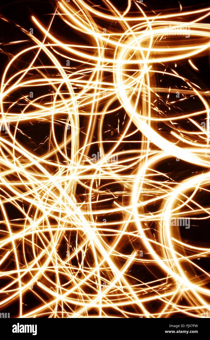 Disparo de fotograma completo de pinturas de luz por la noche Imagen De Stock