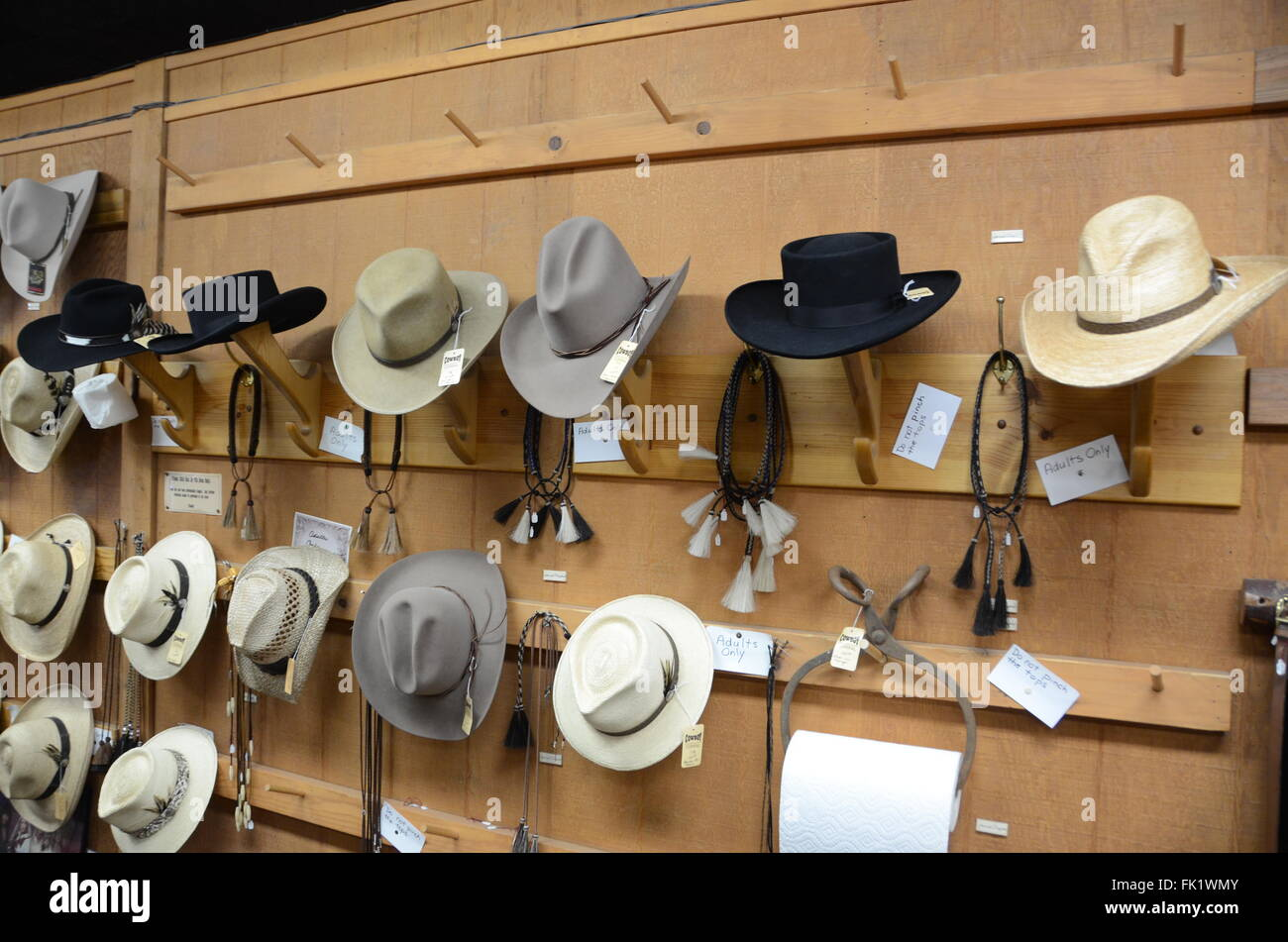 Variety Hats Imágenes De Stock   Variety Hats Fotos De Stock - Alamy 7eaf7f6085a