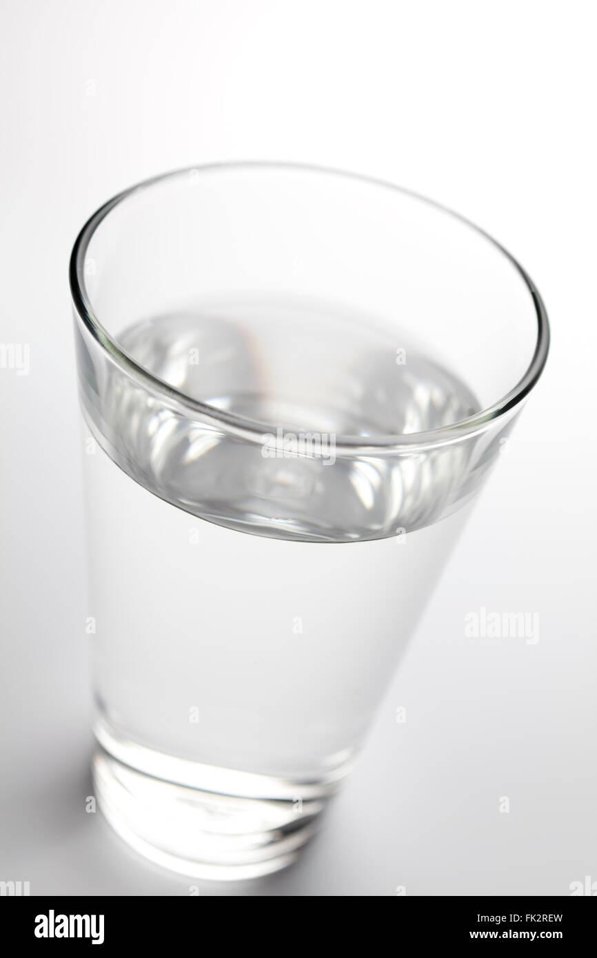 Cristal con agua limpia fresca Imagen De Stock