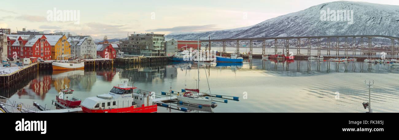 Puerto de Tromso en Tromsø, Municipio, Noruega. Octubre 24,2013 Foto de stock