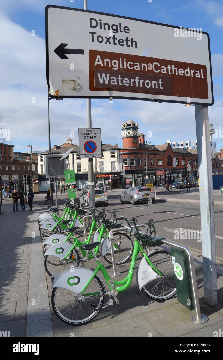 Alquiler de bicicletas Citybike scheme, Liverpool, marzo de 2016 Imagen De Stock